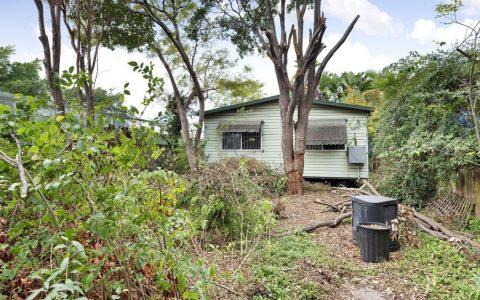 遭10人争抢 悉尼又一小破屋拍出百万高价