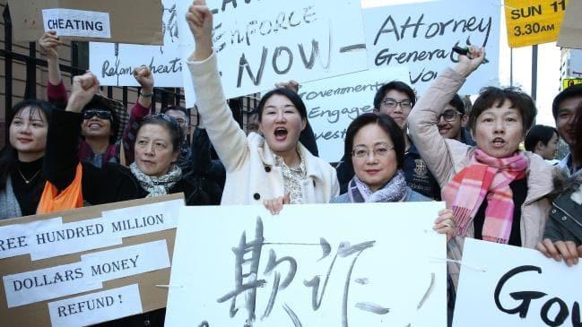 Ralan Group前员工和买家在新州议会外抗议,要求拿回首付款