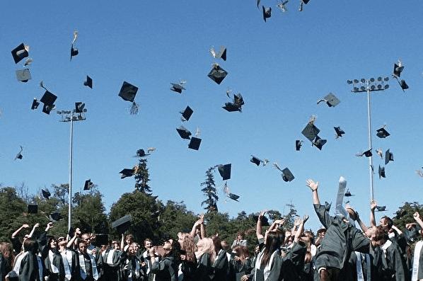 维州高考成绩放榜 37人得满分