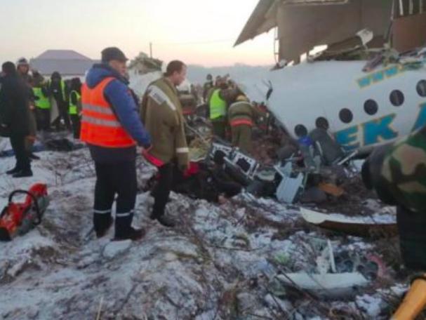 快讯!哈国一客机坠毁 致14人死亡 35人受伤