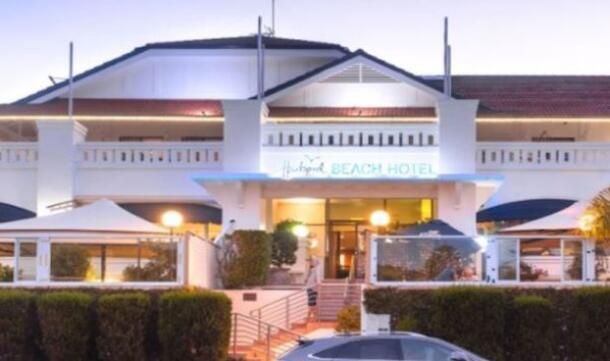 悉尼北部海滩一老牌酒店42年来首次易手