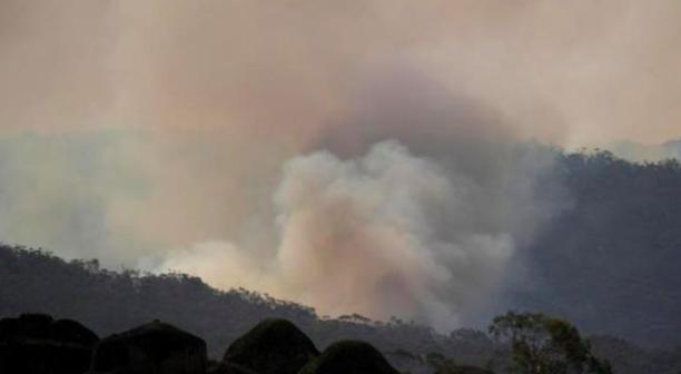 """烟雾缭绕、火警频传……墨尔本空气质量至""""危险""""水平"""