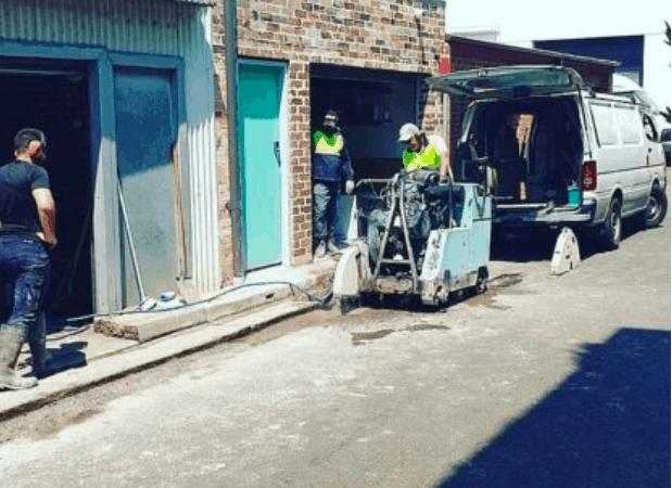 澳洲银行工作者跳槽做水管工!只因技工轻松可赚万一年