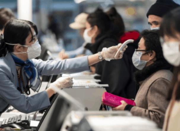 华裔父母急死!18个月大女儿被困湖北 但政府表示不打算再派撤侨飞机