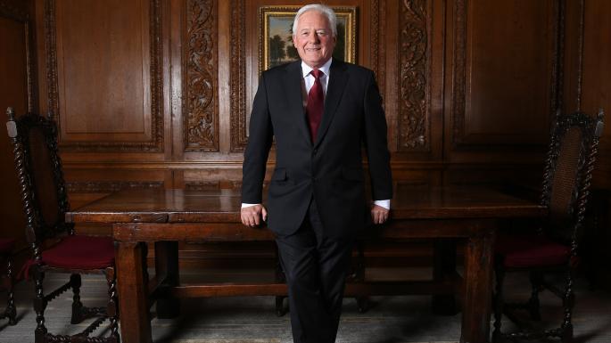 西太银行:72岁霸道总裁的复兴之路