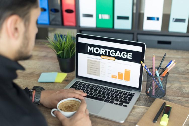 """面临偿贷压力的""""房奴""""比例上升至37%"""