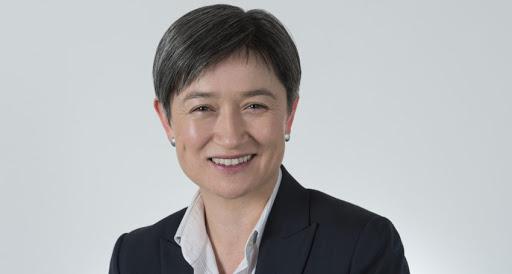 工党参议院领袖黄英贤(Hon Penny Wong)新冠测试结果呈阴性,已回归正常工作
