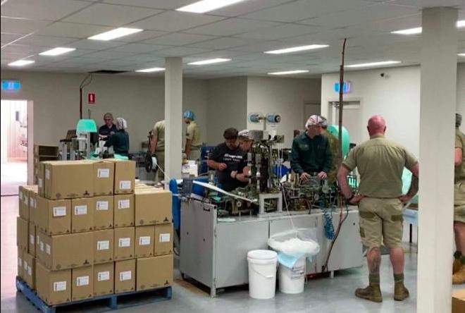 澳洲唯一的医用口罩厂日夜赶工