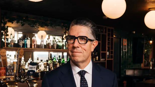 """新州放宽酒吧人数限制至50人,酒吧巨头Redcape表示""""赚钱有可能"""""""