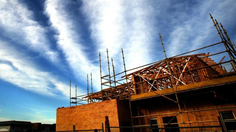 新冠疫情导致建房用地销量重挫80%