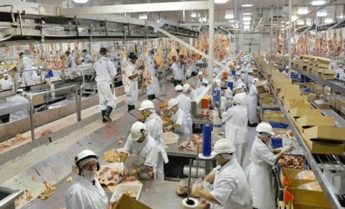 维州新增7例确诊,一个肉类加工厂群发了