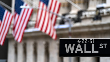 美国第二季度GDP暴跌32.9%,创73年最大跌幅!