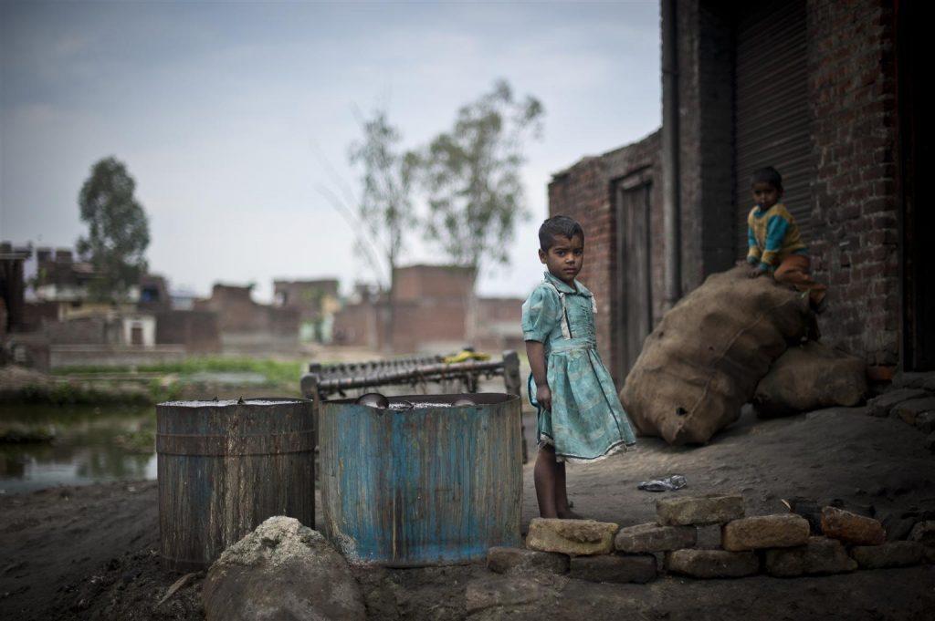 联合国:新冠导致全球贫困儿童暴增1.5亿