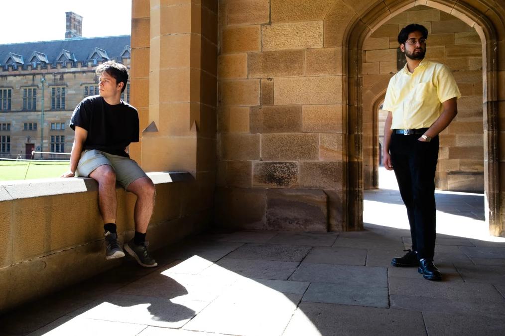 留学生抱怨:学费一分不少,上的却是网课