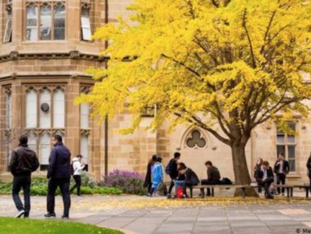 澳高校新学年恢复面授课程!多所学校要求室内佩戴口罩