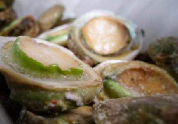 澳洲龙虾遇冷 中国新潮流却让鲍鱼贸易商觅到商机