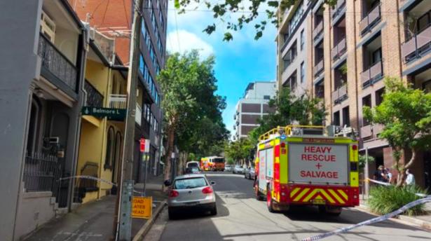 惊险!悉尼Surry Hills一栋大楼外墙倒塌