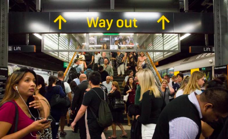 十亿计划升级悉尼高峰时段火车负载