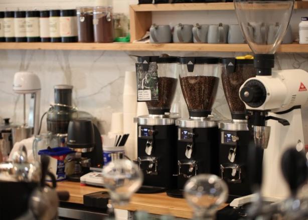 全澳最贵咖啡在墨尔本!亚裔老板亲自手冲一杯咖啡要价$200!