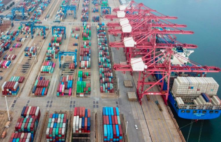 中国今年首两个月出口增六成,为二十多年来的最高水平