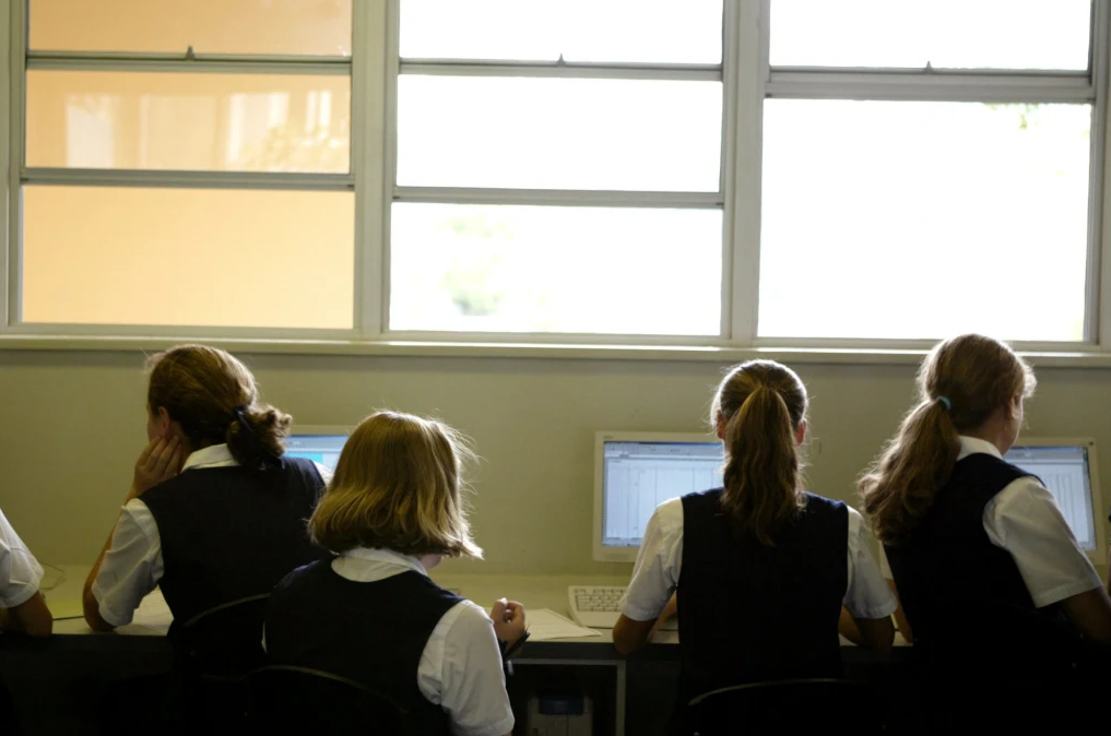 新州精英考试改革,读写能力成为重点