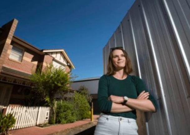 澳房价上涨,年轻夫妇有稳定工作也买不了房:抢不过投资者