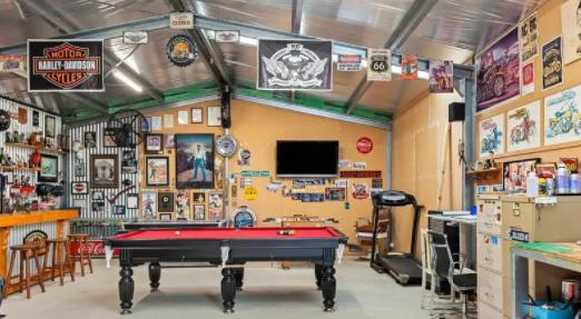 澳百年老宅5万挂牌,特色在于酒吧和3个车库