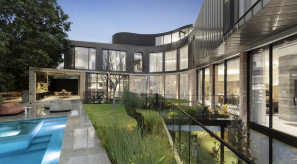 单月成交2亿豪宅!墨尔本豪宅最强房仲如何靠卖房致富!