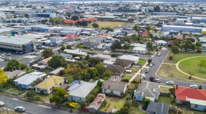 过去10年,澳洲这5地房价涨幅最大!悉尼内城区高居榜首,塔州3地上榜