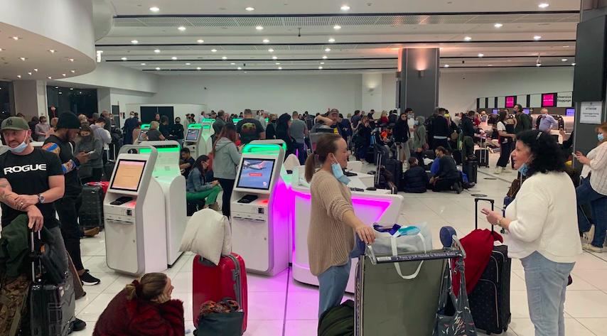 全球订票系统故障!澳洲机场人满为患!所有航班受到影响