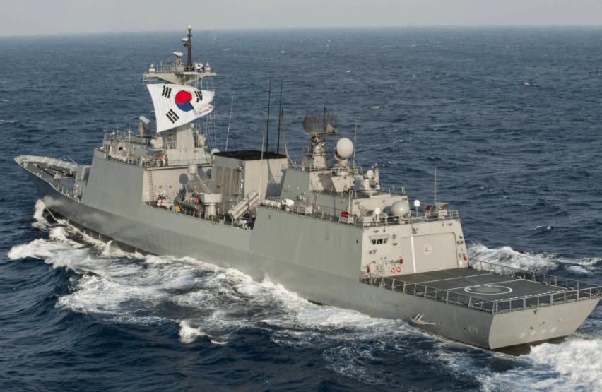 韩国在亚丁湾执行任务的驱逐舰八成舰员感染新冠,总理为此道歉