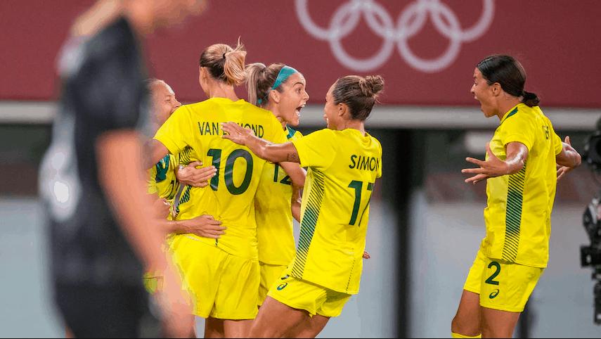 澳洲女足在东京奥运首战中2:1胜新西兰