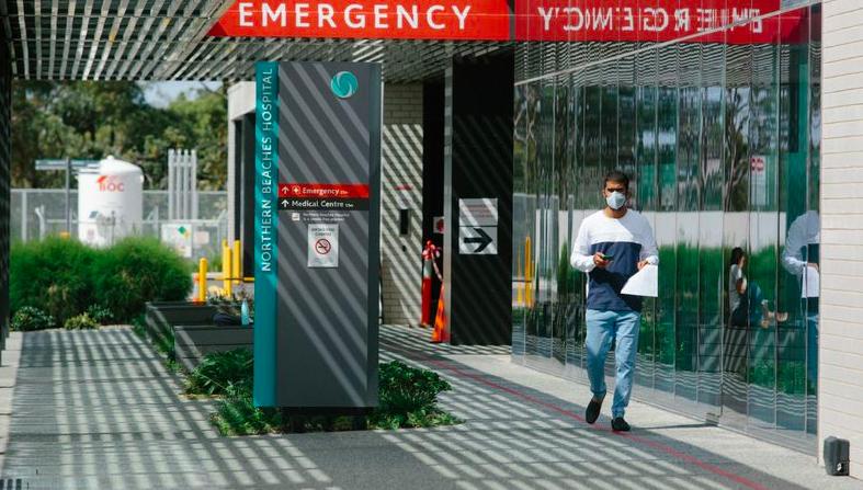 染上新冠的母亲到悉尼医院探望病重儿子而引起恐慌