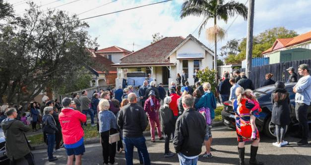 地产专家:未来一年墨尔本房价将上涨9%,领涨全澳!