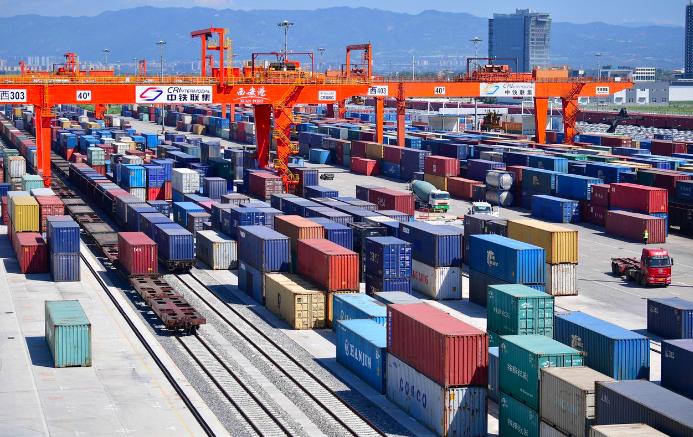 中国政府:实施更深层次对外开放 让外资企业安心发展