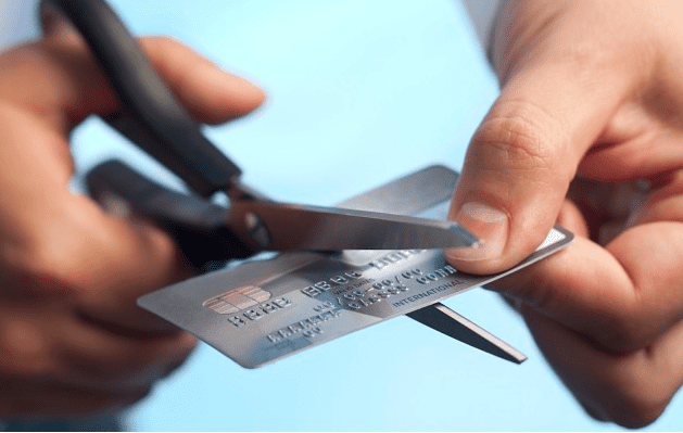 先买后付的行业打压了信用卡的增长