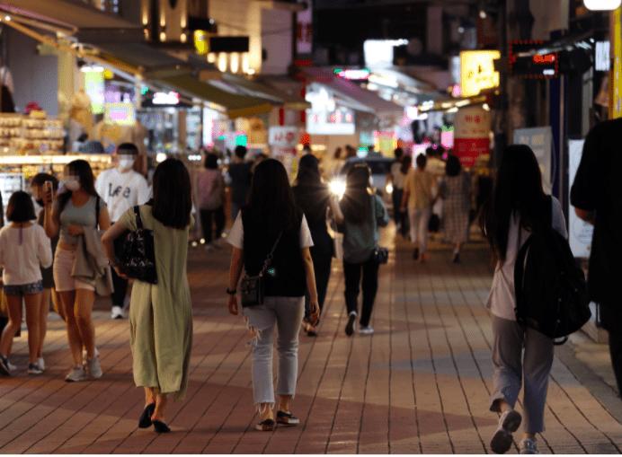 新加坡单日新增新病例再升高到837人