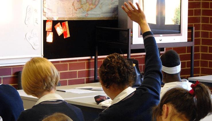 为达到Covid安全空气标准,新州学校教室或将保持开窗
